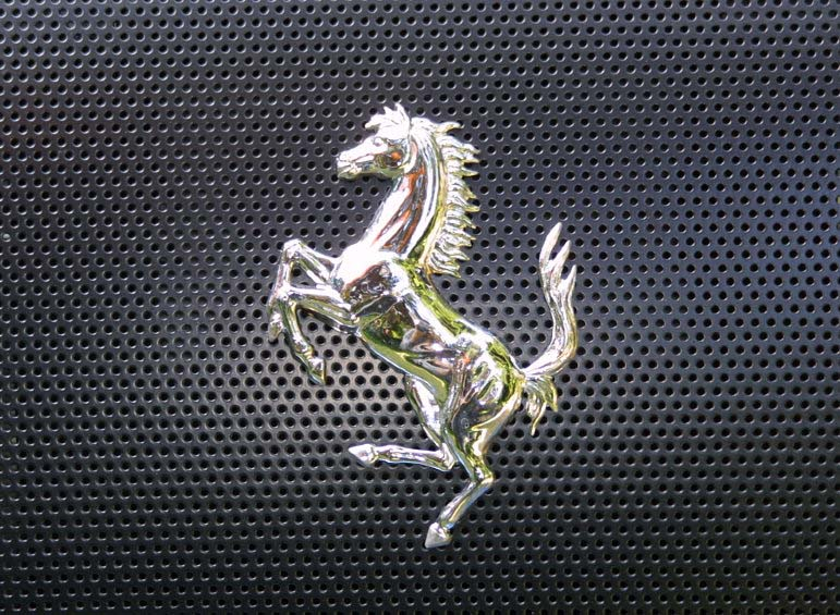 photo cheval ferrari